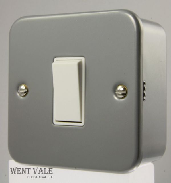 Click Essential Metalclad - CL011B - 1 Gang 2 Way Surface Mounted Switch